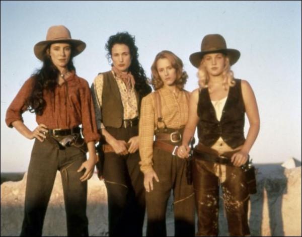 Lesquelles de ces cow-girls quitteront le ranch à la fin du film  Les belles de l'ouest  ?