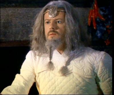 Quel sort effectue Merlin afin de prouver sa puissance à Arthur ?