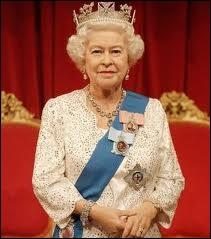 En juin 2012, quel anniversaire Elisabeth II du Royaume-Uni célèbre-t-elle ?