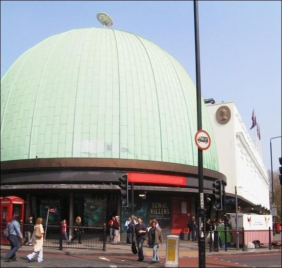 Quel est ce lieu très visité à Londres ?