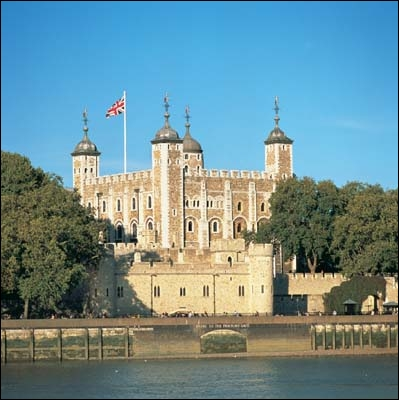 Comment s'appelle ce monument historique de la monarchie anglaise ?