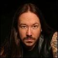Quel est le nom du chanteur du groupe Hammerfall ?