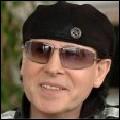 Quel est le nom du chanteur du groupe Scorpions ?