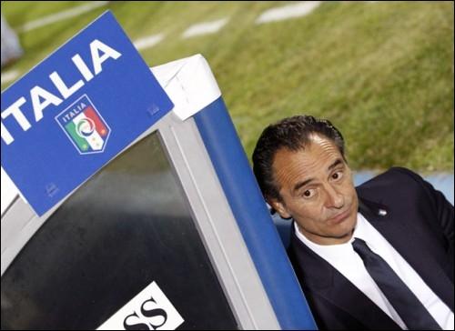 Le sélectionneur de L'Italie est :