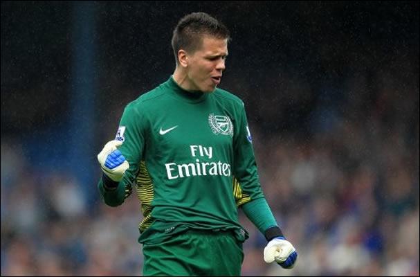 Le gardien titulaire de la Pologne joue à Arsenal ; c'est :