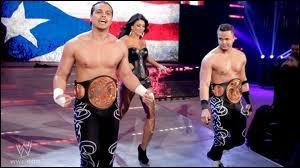 Où le Latino Clan a-t-il gagné ses ceintures par équipe ?