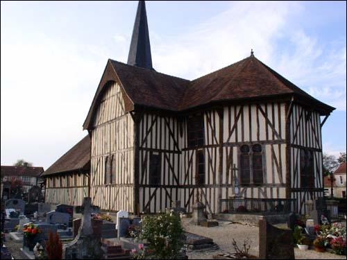Ses maisons et son église à pans de bois constituent un splendide ensemble de style champenois. La  Petite Alsace  se situe à quelques kilomètres du lac du Der-Chantecoq.