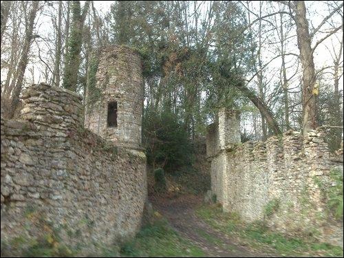 Aux portes de la capitale, l'Île-de-France déploie ses trésors. Anne-Pierre de Montesquiou fit édifier un château dont Théophile Gautier s'inspira pour le décor de Mademoiselle de Maupin.