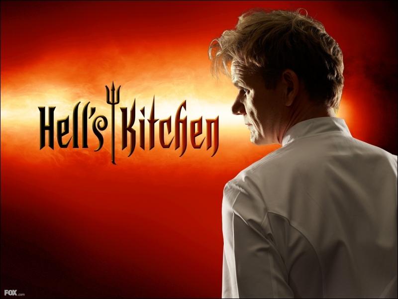 Chef cuisinier et restaurateur britannique fait membre de l'Ordre de l'Empire britannique en 2006, il est le présentateur de l'émission télévisée  Hell's Kitchen . De qui s'agit-il ?