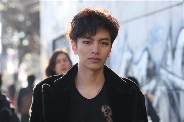 Qu'arrive-t-il à la guitare de Joo Byung Hee ?
