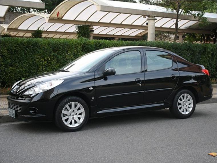 Je figure parmi les seules Peugeot sud-américaines. Qui suis-je ?