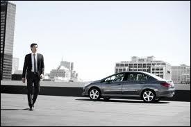 Je suis la plus vendue des Peugeot en Chine. Qui suis-je ?