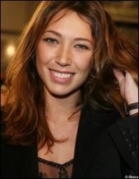 C'est la française Laura, et elle est bien sûr la fille de ?
