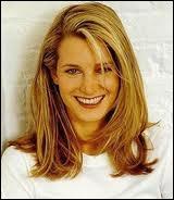 Cette blonde vénitienne souriante se prénomme Bridget, et jouait par exemple dans Jeune fille recherche appartement. Elle est la fille ?