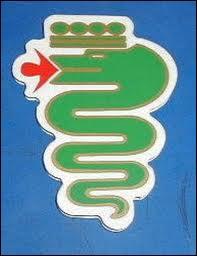 Ce serpent vert apparaît sur le logo de quelle marque ?