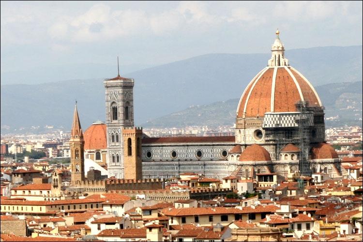 Le terme « à la florentine » signifie qu'un met contient...