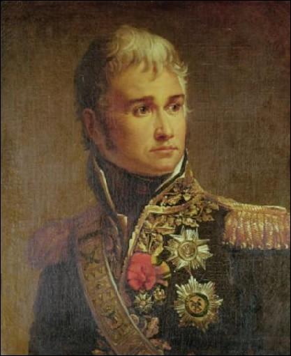 Duc de Montebello, connu pour son franc-parler, je suis le seul maréchal à tutoyer l'empereur. Je meurs après avoir eu les jambes arrachées à la bataille d'Essling, je suis…