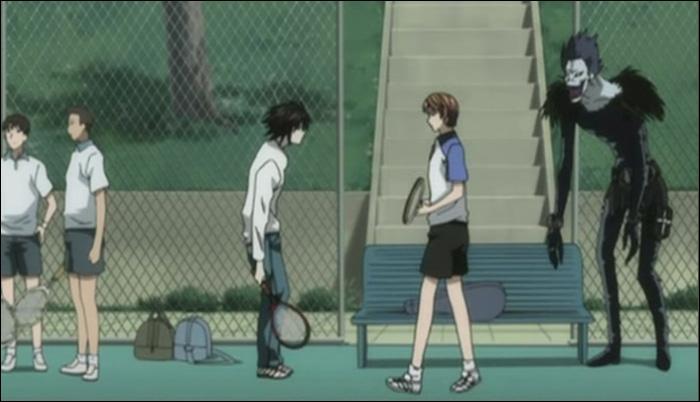 Episode 10 : Avant de commencer le match de tennis, L et Light discutent un peu. L parle un peu de son parcours sportif. Quelle information donne-t-il ?