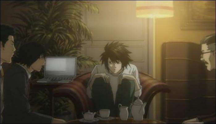 Episode 11 : 'Kira' a fait parvenir des vidéos à une chaîne télé. L pendant une discussion dit qu'il trouverait quelque chose très vexant. De quoi s'agit-il ?