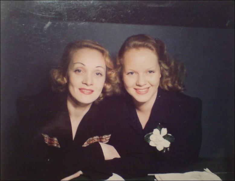 La fille de Marlène Dietrich, star de cinéma, ici en photo avec sa célèbre mère, se prénomme ?