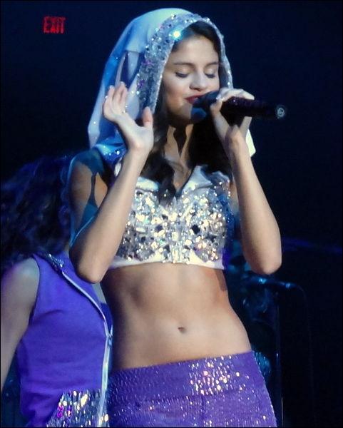 Quel est le nom complet de Selena ?