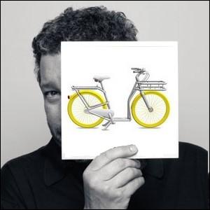 Qui est ce créateur désigner français, auteur de ce concept de vélo-trottinette   Le pibal  conçu pour le parc   vélib'   de la ville de Bordeaux ?
