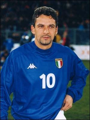 Cet excellent attaquant italien est connu pour ses nombreux titres et buts en sélection ainsi qu'en championnat. Mais savez-vous avec quel club du calcio Roberto Baggio mit fin à sa carrière ?