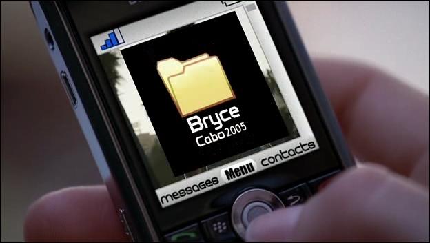 Dans la saison 1, Chuck reçoit un courriel de son ancien ami de Stanford Bryce contenant l'Intersecret. Lors de quel événement reçoit-il ce courriel ?