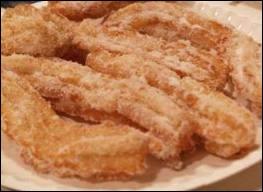 Les beignets appelés chichis fregis, en région PACA, se dégustent ... .