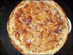 La tarte aux poires appelée poirat berrichon doit être mangée ... .