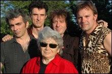 Quel groupe originaire du Havre a un chanteur de petite taille ?