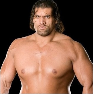 Comment la WWE surnomme-t-elle The Great Khali ?