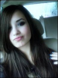 Qui est cette actrice qui passe sur Disney Channel ?