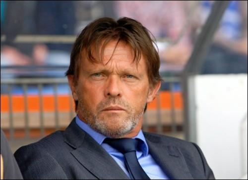 Il s'est reconverti en coach du Sporting d'Anderlecht, puis de Genk, entre autres...
