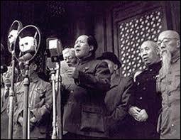 En 1949, la Chine devient communiste; c'est :