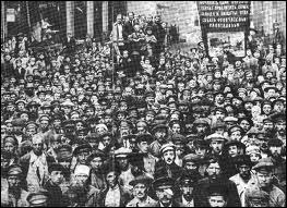 En Russie, 1917 :