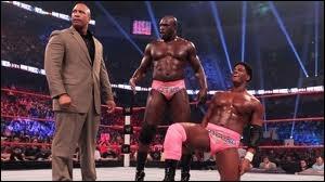 Quels sont les vainqueurs entre The Usos contre Primo et Epico contre Justin Gabriel et Tyson Kidd contre Darren Young et Titus O'Neil dans un Fatal 4-Way Tag Team championship ?