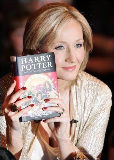 Dans les premières pages du dernier tome, il est écrit :  La mort n'est que la traversée du monde, comme des amis traversent les mers...   A qui J. K Rowling a-t-elle emprunté cette citation ?
