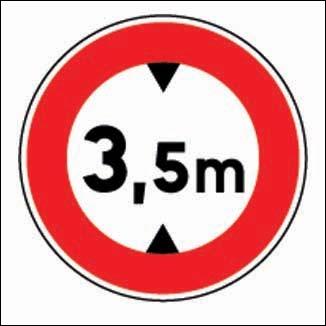 La limite est de 3, 5 m de ...