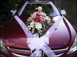 Le ruban sur le capot de cette voiture comporte dans son nom celui d'une ville du Limousin, située dans le département ...