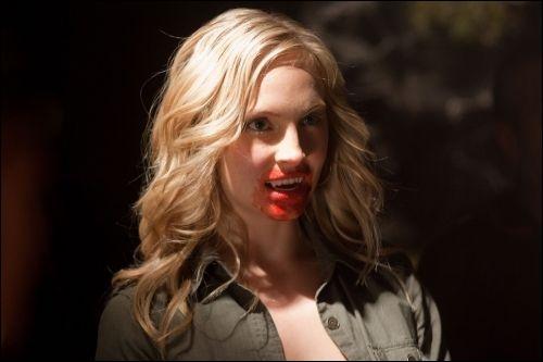 Lors de sa transformation en vampire, Caroline se nourrit de :