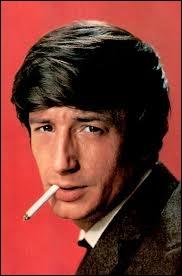 En 1962 il chante  Ballade à Sylvie  et  A Malypense  puis devient acteur tout en continuant sa carrière dans la chanson ... . .