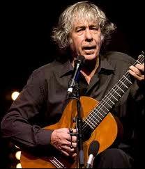 Ce chanteur engagé et libertaire se fit connaître en France en chantant des chansons de Brassens en espagnol ... ... . .