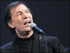 C'est un auteur, compositeur et interprète québécois. En 1968 il connaît ce succès planétaire  Je reviens chez nous  ... . .