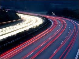 Humour : pourquoi les autoroutes françaises ne sont-elles pas éclairées ? (autodérision recommandée)