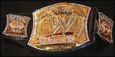 Qui a été WWE champion avant CM Punk ?