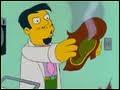 Dans l'épisode   La moumoute tueuse   d'un Simpson Horror show, Homer se fait faire une greffe du cuir chevelu par le docteur Riviera. Quel criminel exécuté sur la chaise électrique a été le donneur ?