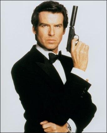 Penchons-nous à présent sur l'une des plus longues séries du cinéma, celle des  James Bond . Combien y a-t-il eu de films mettant en scène ce personnage ?