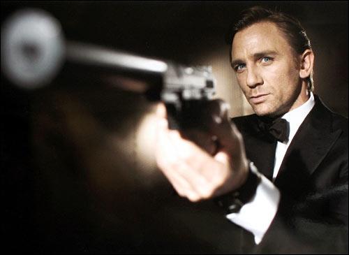 Dans  James Bond 007 contre Dr. No , qui incarne James Bond ?