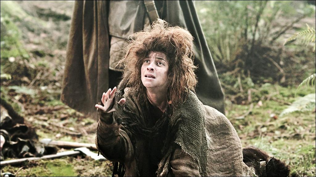 Osha est une sauvageonne capturée par Robb et Theon alors qu'elle s'en prenait à Bran. Dans la série, elle est jouée par Natalia Tena. Celle-ci a aussi joué dans une saga très célèbre. Laquelle ?